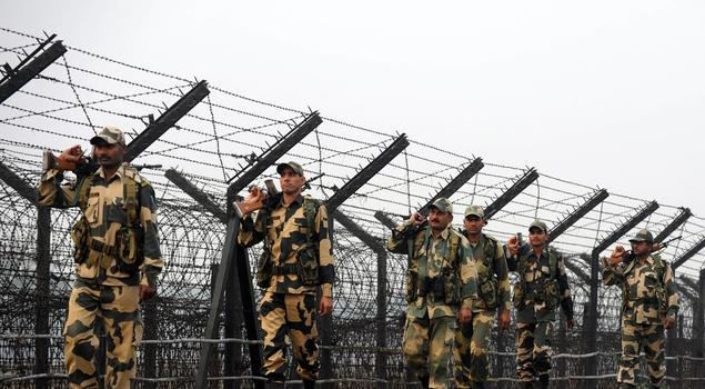 india_bangla_border_soldiers
